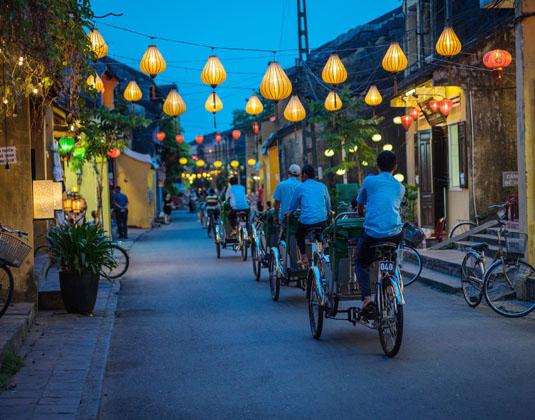 VIETNAM_YOUR_WAY_Hoi_An,_Vietnam.jpg