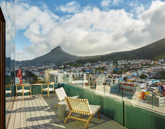 SunSquare_City_Bowl_-_Rooftop_Bar_Deck.jpg