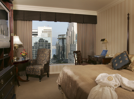 Sutton_Place_-_Sutton_Room.jpg