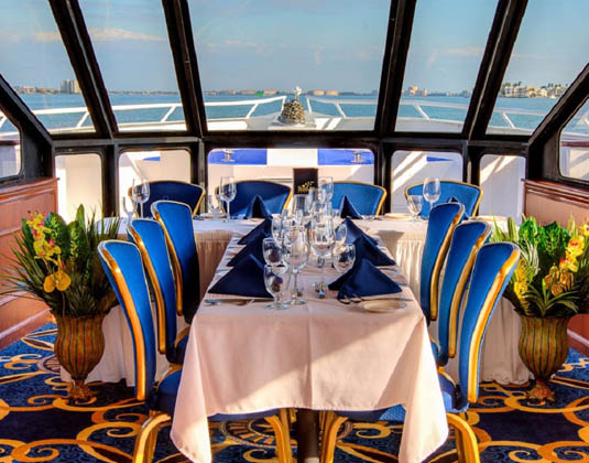 Sapphire Cruise, Restaurant