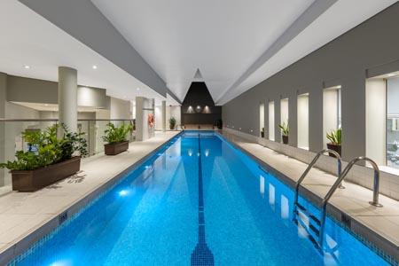 Radisson-Blu-Sydney_pool.jpg