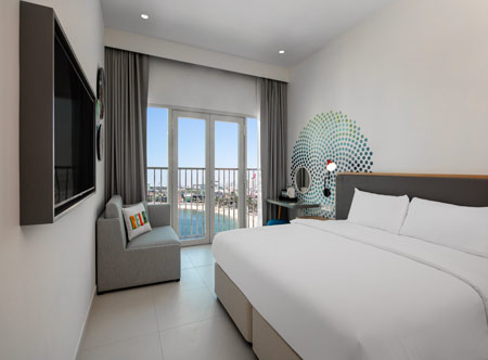 Rove-La-Mer-Beach_Rover-sea-view-room.jpg