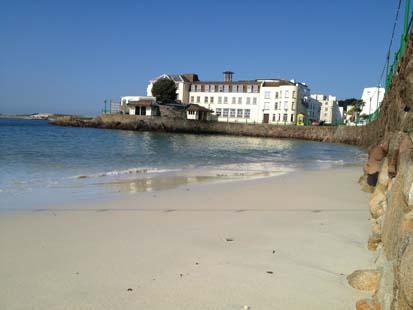 9100_1_Fort_dAuvergne_fropm_Havre_des_pas_beach.jpg