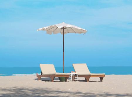 Regent Chalet Beach Resort - Beach