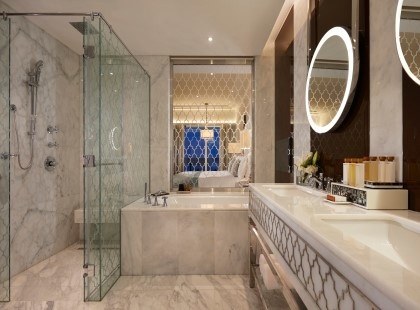 _4_Bathroom.jpg