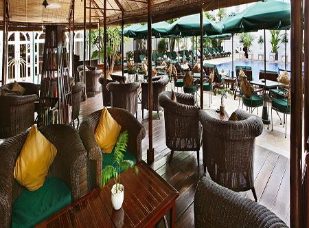 Sofitel_Legend_Metropole,_Hanoi_-_Bamboo_Bar.jpg