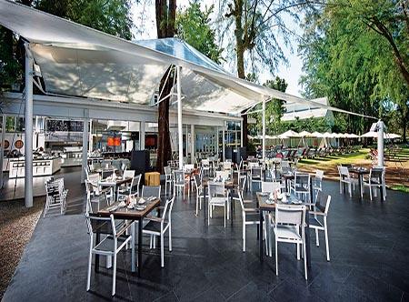 Lone_Pine_Hotel_-_Restaurant.jpg