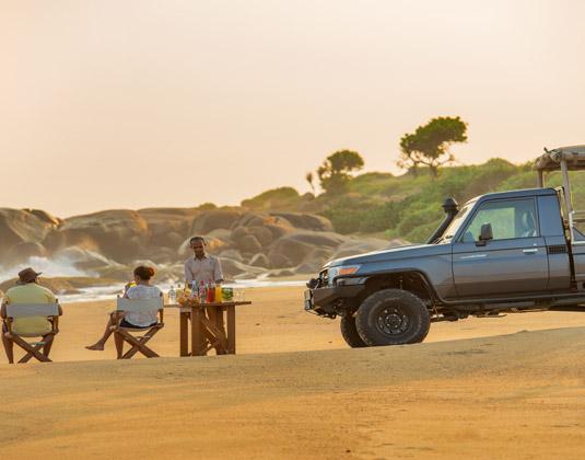 Chena_Huts_Beach_and_jeep.jpg
