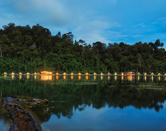 Elephant_Hills_-_Rainforest_Camp_Cheow_Larn_Lake_Khao_Sok_National_Park.jpg
