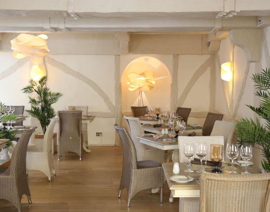 La_Place_-_Restaurant.jpg