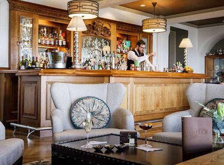 Somerville_Voyager-Curiosity-Lounge-Bar.jpg