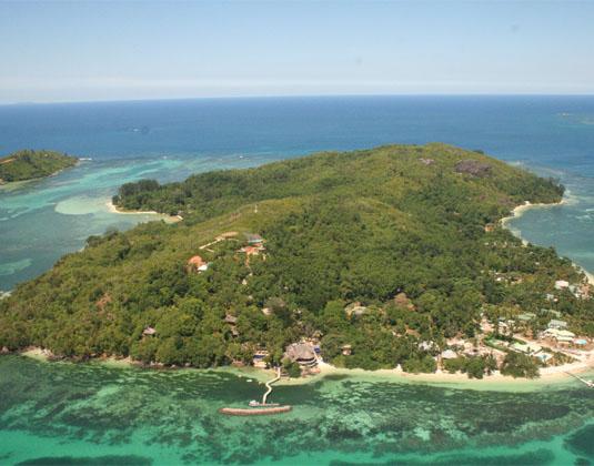 Cerf_Island_Aerial.jpg