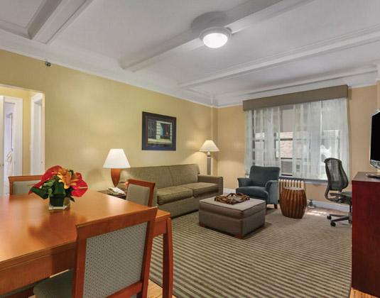 Best Western Hospitality House - Living Area
