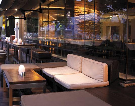 Kowloon_Shangri-La_-_Tapas_Bar.jpg