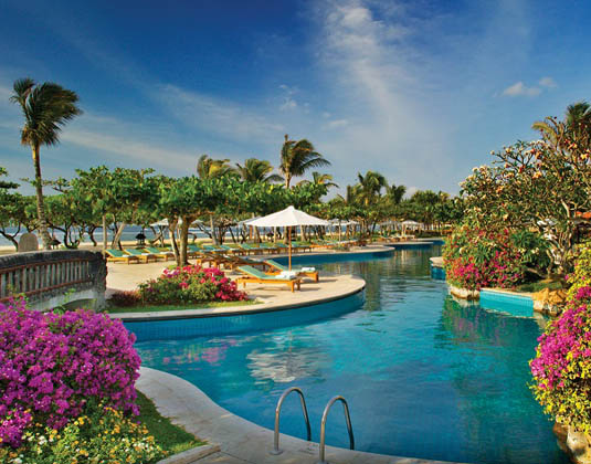Grand_Hyatt_Bali_-_Lagoon_Pool.jpg