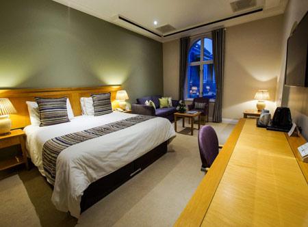 Hotel-de-France_Executive-room.jpg