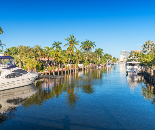 Beautiful_canal_of_Fort_Lauderdale.jpg