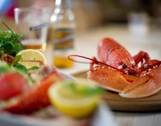 Guernsey,Lobster_lunch.jpg