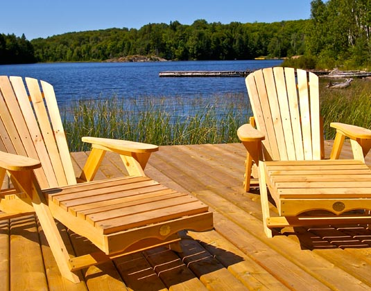 Algonquin Provincial Park - Seats on deck
