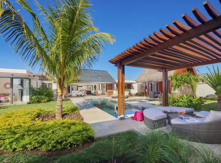 The Villas of Clos du Litoral -  4 Bed villa pool