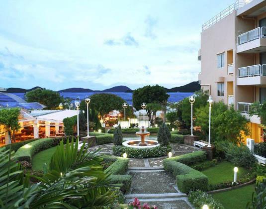 Kantary_Bay_Hotel_Phuket_-_Building.jpg