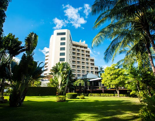 Centara_Karon_Resort_Phuket_-_Exterior.jpg