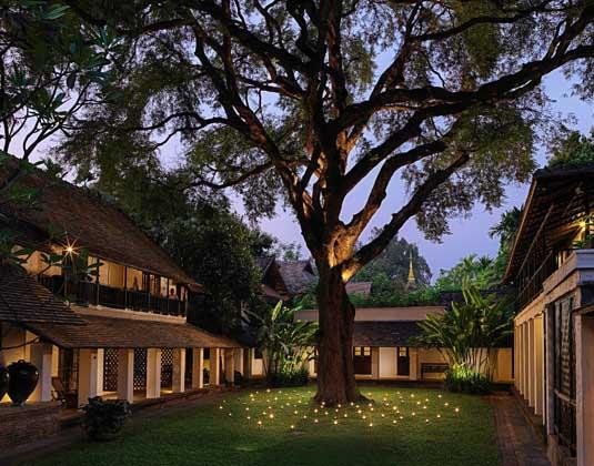 Tamarind_Village_-_Courtyard.jpg