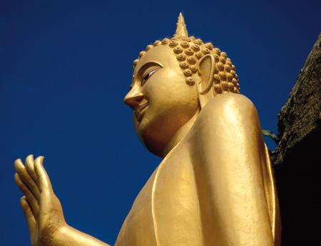 Golden_Buddah_Hua_Hin.jpg