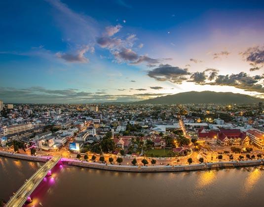 Chiang_Mai_Cityscape_at_Twilight.jpg