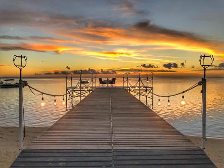 Maradiva_Sunset_-_Jetty_3.jpg