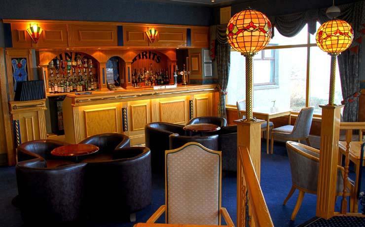 Kveldsro_Hotel_bar.jpg