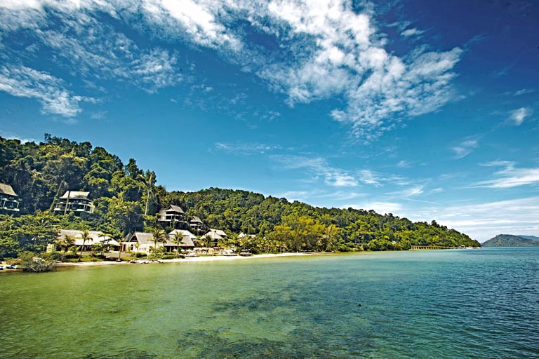 Gaya-Island-Resort-beachfront_11MB.jpg