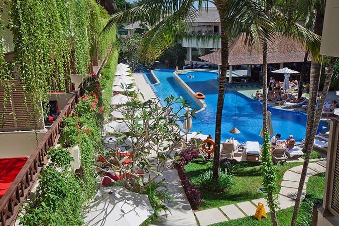 Blu-Zea-Resort-by-Double-Six_pool-area.jpg