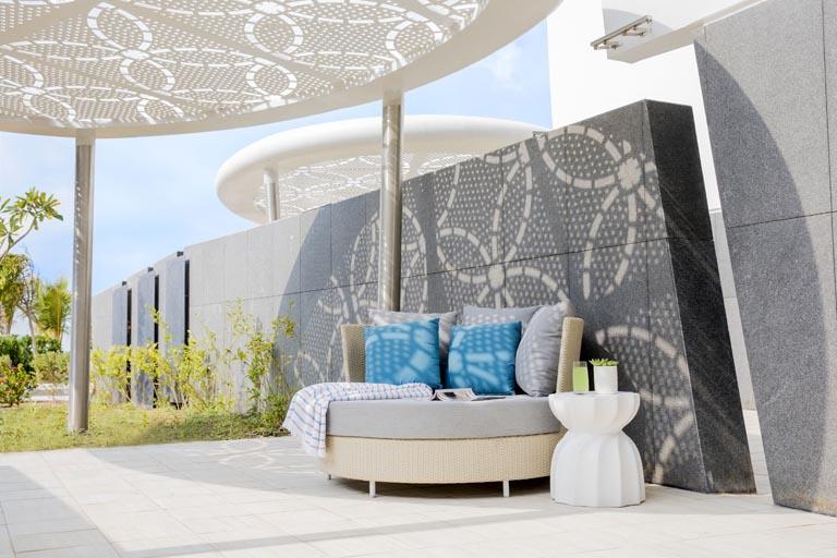 Jumeirah-at-Saadiyat-Island-Resort-Ocean-Terrace-Balcony.jpg