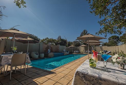 Ivory-Manor-pool.jpg
