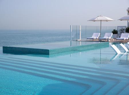 Burj-Al-Arab-The-Terrace-Infiniti-Pool-3.jpg