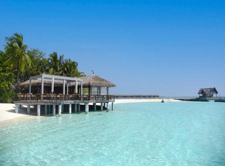 Constance-moofushi-maldives-2021-manta-restaurant-01_hd.jpg