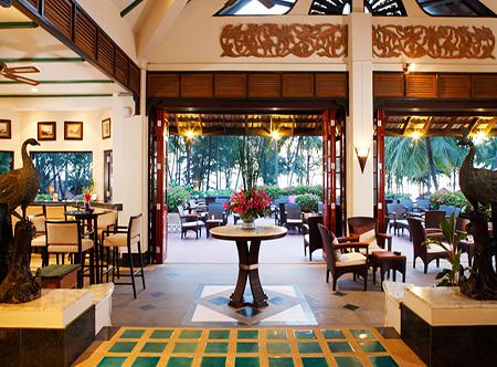 Dusit_Thani_Laguna_Phuket_-_Horizon_Lounge.jpg