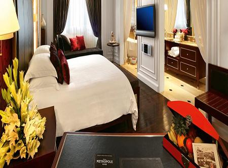 Sofitel_Legend_Metropole,_Hanoi_-_Grand_Premium_Room.jpg