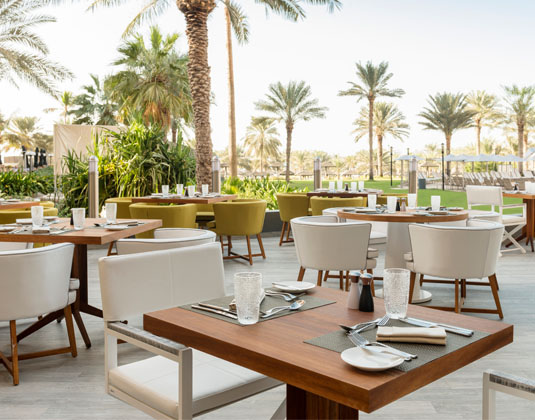 Le_Royal_Meridien_Dubai_Terrace.jpg
