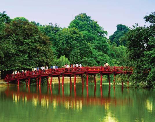Hanoi, Red Bridge in Hoan Kiem Lake