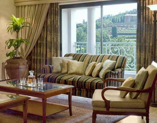 Sheraton_Pretoria_-_Suite_Living_Room.jpg