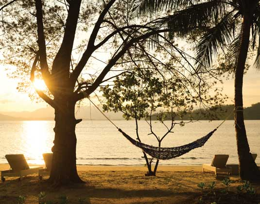 Gaya_Island_Resort_-_Beach.jpg