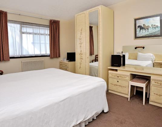 Talana_-_Double_Room.jpg
