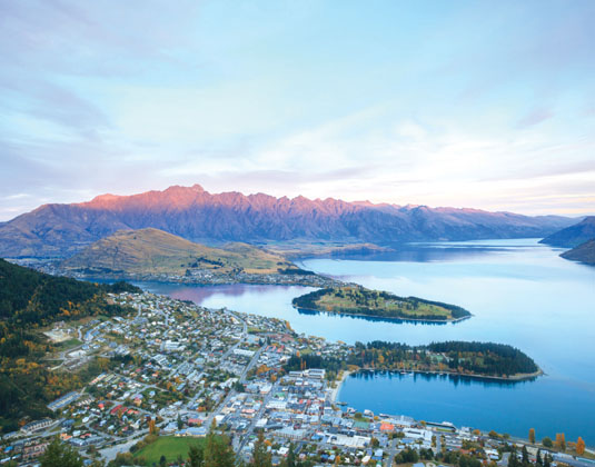 Queenstown,_New_Zealand.jpg