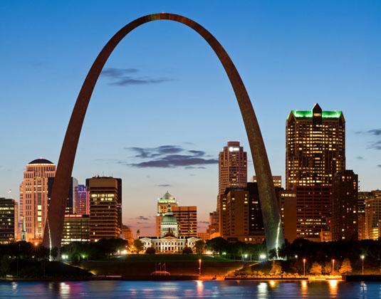 St._Louis_at_twilight.jpg