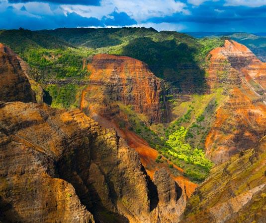 Waimea_Canyon_State_Park,_Kauai.jpg