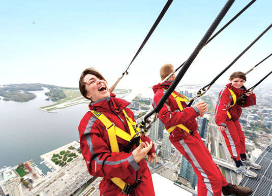 Toronto_-_CN_Tower_Edgewalk.jpg