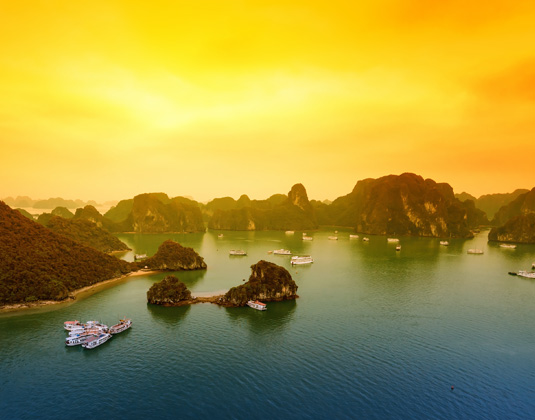 VIETNAM_YOUR_WAY_and_PARADISE_PRESTIGE_Halong_Bay.jpg