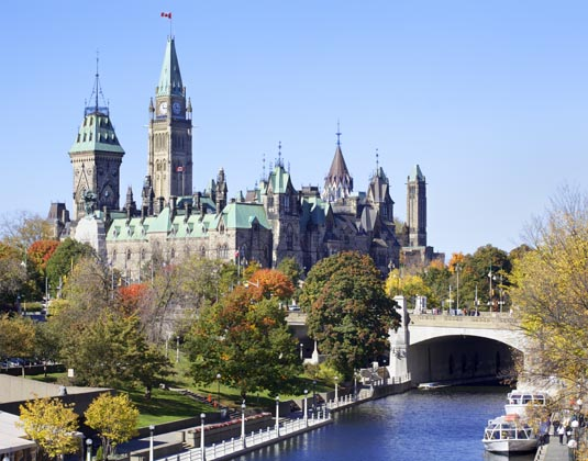 The_Parliament_of_Canada_and_Rideau_Canal_Heritage_Trail.jpg